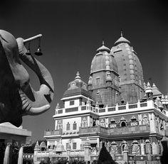 circa 1955: The Birla Temple in Delhi. (Photo by Three Lions/Getty Images)