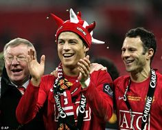 Manchester United Images, Manchester United Players, Manchester City, Mbappe Psg, Sir Alex Ferguson, Premier League Champions, Cristiano Ronaldo Cr7, Sports Stars, Man United