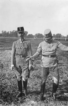 WWI, Generaloberst Eduard von Bohm-Ermolli, the Commander of the Austro-Hungarian Second Army (left), during the fighting at Czernowitz, captured from the Russian on 3rd August 1917 © IWM (Q 23987)