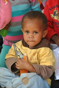 Potchefstroom Lions Club (South Africa) | Lions held a Relieving the Hunger activity and distributed food and toys to children