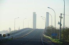 Ponte do Guaíba, um dos cartões postais da cidade, ficou deserta por causa da paralisação:imagem 19
