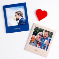 Our personalised magnetic leather frames come in a range of colours and are the ideal accessory for your favourite photos. A great gift for her.  #photo #creategiftlove