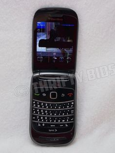 FOR PARTS REPAIR: BlackBerry Style 9670 Black Sprint Smartphone Busted Screen #BlackBerry #Flip