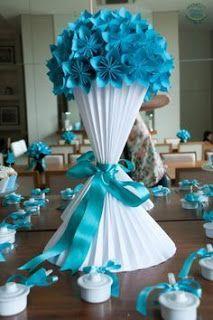 Discover thousands of images about Bola de Sakuras em Origami e Vaso Plissado Paper Flower Backdrop, Giant Paper Flowers, Diy Flowers, Poppy Flowers, Origami Flowers, Large Flowers, Origami Paper, Diy Paper, Paper Art