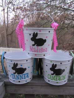 The Chic Technique: Personalized Easter Bucket, basket, pail - 10 quart size, bunny design. Many colors and designs available Hoppy Easter, Easter Bunny, Easter Eggs, Easter Table, Easter Projects, Easter Crafts, Easter Ideas, Easter Decor, Easter Centerpiece