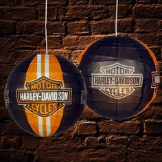 Gotta get these for party Harley Davidson Party Theme, Harley Davidson Birthday, Harley Davidson Motor, 60th Birthday Party, Birthday Ideas, Motorcycle Wedding, Harley Bikes, Friend Wedding, Cool Lighting
