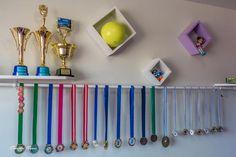 Foto: Novo porta medalhas e troféus da Kakau.