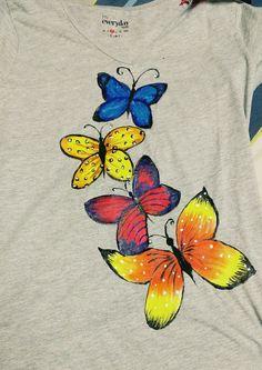 Hand Painted Fabric T-shirt Fabric Paint Shirt, Fabric Painting On Clothes, Paint Shirts, T Shirt Painting, Painted Clothes, Fabric Art, Painting On Hand, Tshirt Painting Ideas, Saree Painting Designs