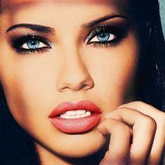Stunning Adriana. ♥♥♥