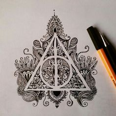 Zeichnungen Einfach: harry potter, art, drawing, mandala More - Awesome Art Pins Harry Potter Tattoos, Arte Do Harry Potter, Harry Potter Drawings Easy, Harry Potter Sketch, Harry Potter Sign, Harry Potter Symbols, Harry Potter Tumblr, Tattoo Tod, Hp Tattoo