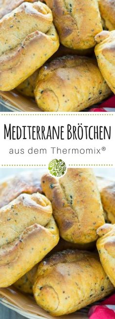 Mediterrane Brötchen aus dem Thermomix ☀ will-mixen.de In keeping with the sunny weather, the Thermomix®️ kneaded a Mediterranean yeast dough. Baked Chicken Marinade, Baked Chicken Recipes, Pork Chop Recipes, Fish Recipes, Hot Dog Recipes, Vegan Recipes, Rabbit Recipes, Cooking With Ghee, Homemade Chicken Nuggets