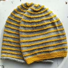 Marion R: garnpakke Knitted Hats, Knitting, Fashion, Threading, Moda, Tricot, La Mode, Knit Caps, Breien