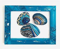 Zamanı durdurmak diye bir şey var; 2015 yazını durdurdum çerçeveleyip duvarıma astım. #handpainted #shell #stones #handpaintedshells #diy #hobi #hobby #elyapımı #diyproje #denizkabuğu #taşboyama #elyapımıçerçeve #barbaleatherworks #barbaleatherstudio #instaart #pattern #paint #painting #art #draw #design #blue #drawing #giftidea #meditation #mandala #zen #handmadeframe #doodle