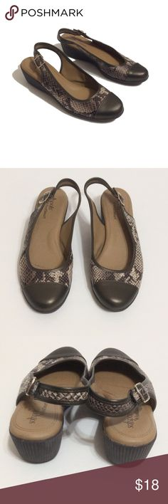 Pretty snake skin shoe Sz 9 Wide Preloved shoes look new SIZE 9 WIDE 1.5 heel Soffspots Shoes Platforms