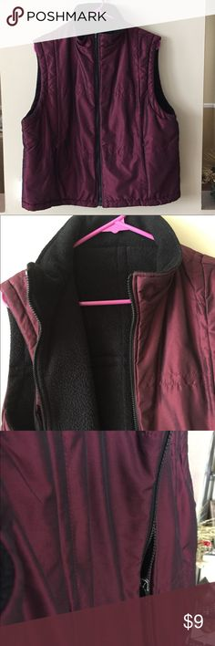 "XL, ""NEW YORK & COMPANY"", Reversible Litmus  Vest. XL reversible Vest, black/burgundy litmus fabric.  ⚠️ The zipper tab looses color (last picture) and de interior part, the black side, have pilling fabric (7th pic) New York & Company Jackets & Coats Vests"