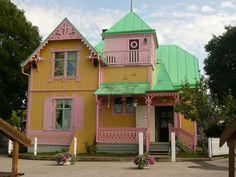 Villa Villekulla in Gotland, Sweden. The home of Pippi Longstocking! Pippi Longstocking, Country Breaks, Sweden Travel, Beautiful Villas, Swedish Design, Amusement Park, Exterior Paint, House Colors, Nars