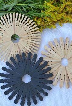 - Decorative Hus Fall decoration DIY coasters upcycling Source by dekohus Diy Crafts Hacks, Diy Home Crafts, Craft Stick Crafts, Diy Crafts To Sell, Rustic Crafts, Decor Crafts, Kids Crafts, Wooden Clothespin Crafts, Wooden Clothespins