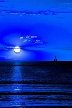Moonlight or sunlight ? by THOMAS Patrice on ) Moon Pictures, Nature Pictures, Beautiful Pictures, Kind Of Blue, Love Blue, Himmelblau, Beautiful Moon, Blue Wallpapers, Blue Aesthetic