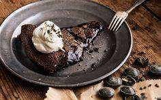 Salmiakki-mutakakku / Liquorice mudcake Finnish Recipes, Hot Cocoa Recipe, Blondie Brownies, Something Sweet, Desert Recipes, No Bake Desserts, Coffee Cake, No Bake Cake, Sweet Recipes