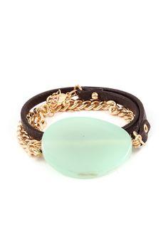 Oh, such a pretty bracelet, what a gorgeous color!