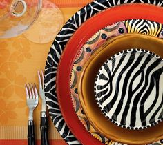 South African-inspired pottery hand painted by artisans in Zimbabwe