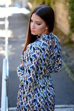 Romantika, stílus és nőies megjelenés. Ugye, hogy mindez egyetlen női ruhával is megoldható? Street Style, Blouse, Casual, Tops, Dresses, Women, Fashion, Vestidos, Moda