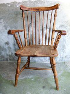 Mooie vintage armstoel met spijlen. Stevige eiken stoel volledig kaal geschuurd.  Stoel is  40  - 50 jaar oud. Prijs € 49,- Meer meubelen op www.goemansmeubelen.nl Rocking Chair, Furniture, Vintage, Home Decor, Chair Swing, Decoration Home, Room Decor, Rocking Chairs, Home Furnishings