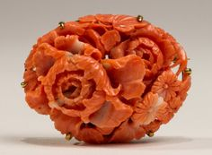 Fine Carved Pink Coral& 14K Gold Antique 19C Flower Pin : Lot 377