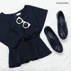 """88 Likes, 1 Comments - Khakikakiku (@khakikakiku) on Instagram: """"Kamu suka pake outfit bertemakan monokrom? Felicia Black ini bisa jadi pelengkap yang pas nih. Beli…"""""""