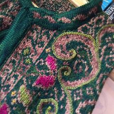 Ravelry: Yarnissima's TENACITY - The Ultimate Cardigan - There's Just Something About You