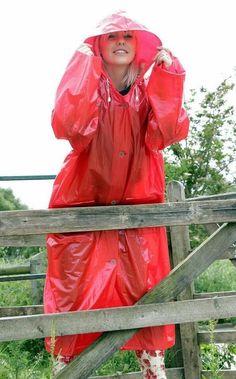 Imperméable Rukka. Pink Raincoat, Raincoat Jacket, Plastic Raincoat, Plastic Pants, Plastic Mac, Rubber Raincoats, Raincoats For Women, Imper Pvc, Shopping