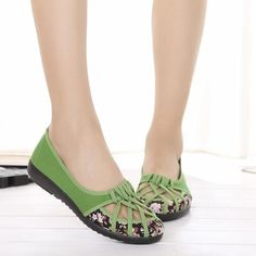 Hollow Out Flower Print Breathable Slip On Flat Loafers