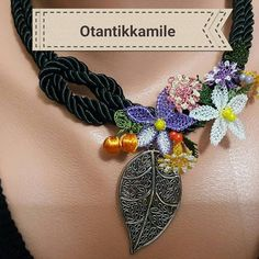 Beaded Jewelry, Crochet Jewellery, Needle Lace, Needlework, Diy And Crafts, Crochet Necklace, Like4like, Chain, Beads