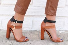 NEW ZARA 2012 LEATHER HEELS SANDAL W/ BUCKLES TWO TONES EU39/UK6/US8 SOLD OUT