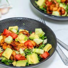 Garnalen met knapperige groenten en avocado » Makkelijk Afvallen Fruit Salad, Cobb Salad, Cantaloupe, Good Food, Pork, Healthy Recipes, Healthy Food, Ethnic Recipes, Sweet