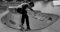 skateboard / epicentre / bowl / DIY / B&W