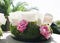 beautiful, au naturel card display  Photography by http://giacanali.com, Wedding Planning by http://yifatoren.com