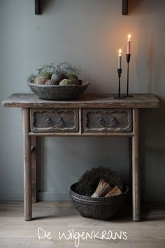 Discover recipes, home ideas, style inspiration and other ideas to try. Art Furniture, Eclectic Sculptures, Belgian Style, Beautiful Home Designs, Style Vintage, Wood Sculpture, Teak, Entryway Tables, Sweet Home