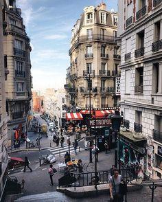 Parisian streets ❤️ / Неповторимость каждого мгновения жизни парижских улиц ❤️ #montmartre #paris #france