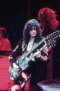 Jimmy Page of Led Zeppelin El Rock And Roll, Rock N Roll Music, Jimmy Page, Jimmy Jimmy, Robert Plant, Smooth Jazz, Great Bands, Cool Bands, Arte Led Zeppelin