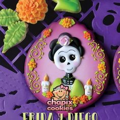 We are back with this Day of the Dead (in July) amazing set! Fun Cookies, Cupcake Cookies, Sugar Cookies, Cupcakes, Sugar Cookie Royal Icing, Cookie Frosting, Halloween Desserts, Halloween Cookies, Mexican Cookies