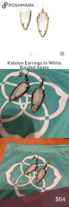 🎉SALE🎉KENDRA SCOTT KATELYN EARRINGS ‼️ Beautiful stone contrast in the agate ‼️ Kendra Scott Jewelry Earrings