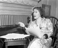 Gracie Allen preparing at home, in Vintage Hollywood, Classic Hollywood, Jack Benny, George Burns, Old Time Radio, Golden Days, Old Tv, Theatre, Folk