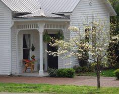 A beautiful springtime porch Front-Porch-Ideas-and-More.com #porch