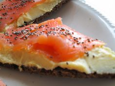 Pumpernickel with hummus and salmon