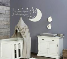 Muursticker Nijnje op de maan, hoe schattig voor de babykamer Baby Bedroom, Baby Room Decor, Nursery Room, Contemporary Childrens Furniture, Unique Kids Toys, Peter Pan Nursery, Baby Zimmer, Baby Education, Nursery Furniture
