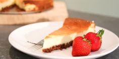 Al jaren boekt Margriet-collega Yvonne grote successen met haar eigen cheesecake recept. Deze cheesecake is namelijk zo lekker – als traktatie op een verjaardag, maar ook als toetje – dat iedereen standaard naar hetrecept vraagt. En het leuke is: uren ploeteren in de keuken is niet nodig. Dit recept vind je ook op het blog …