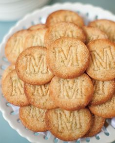 Monogrammed key-lime crisps for the dessert table