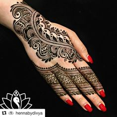 "79 Likes, 2 Comments - Monica Patel MehendiByMonica ॐ (@mehendibymonica) on Instagram: ""When thee one and only @mehndidesigner does my mehndi, I feel such peace and tranquility! She…"""