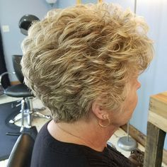 Short Hair Over 60, Edgy Short Hair, Short Hair Older Women, Short Hair With Bangs, Short Hair With Layers, Stacked Haircuts, Haircuts For Medium Hair, Hair Color And Cut, Permed Hairstyles